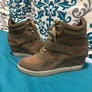 Steve Madden - Olympiaa Wedge Sneakers - Size: 10M
